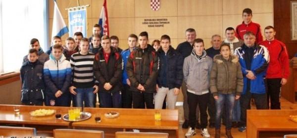 Krmpotić upriličio prijam za kadete NK Gospić 91.