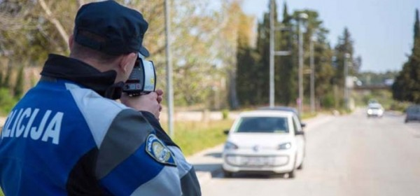 Vozači, čuvajte se danas i noćas policije na cestama