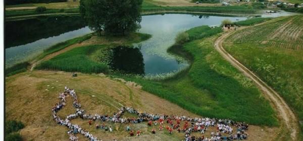 473. Strikomanova milenijska fotografija u Švici