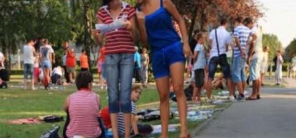 23. i 24. lipnja - razmjena školskih knjiga u gradskom parku