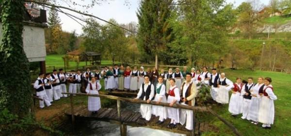 KUD Korana iz Slunja večeras na Plitvičkima jezerima