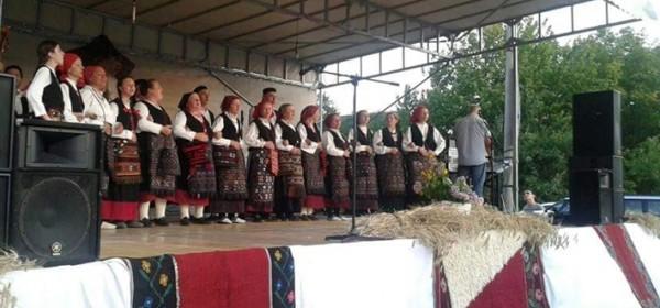 KUD Lipa iz Sinca sutra na Ulazu I NP Plitvička jezera