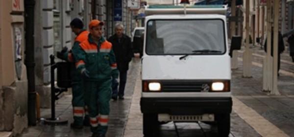 Manji kamion za odvoz smeća - za tješnje ulice i prolaze