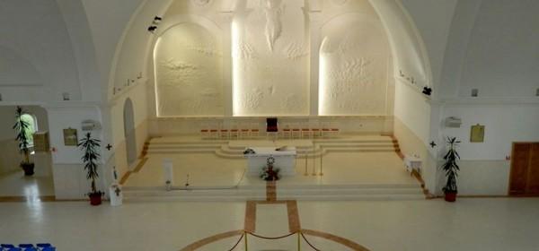 Oltarni reljef u Crkvi hrvatskih mučenika čeka blagoslov