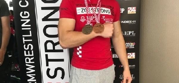 M. Lončar - srebrna i brončana medalja u obaranju ruke