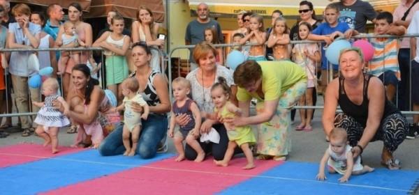 Fashion show,ples,bebe i utrke u Senju