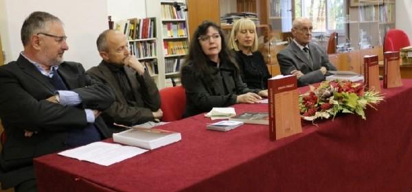 """Predstavljena knjiga dr.sc.Roberta Blaževića """" Upravna znanost"""""""