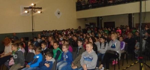 "Kazalište Merlin s predstavom ""Pipi Duga Čarapa"" gostovalo u Brinju"