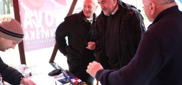 Gradonačelnik Kostelac dao potpis Kujundžićevoj kandidaturi