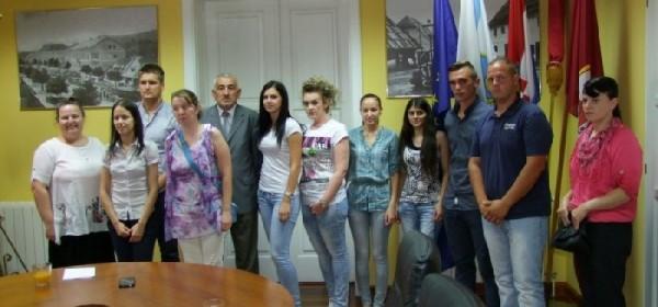 Gradonačelnik Kostelac potpisao ugovore s 12 pripravnika