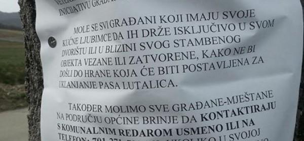 U Brinju postavljen natpis da je pokrenuta akcija uklanjanja pasa lutalica