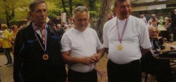 Uspješno gostovanje Otočkih umirovljenika u Dramlju !