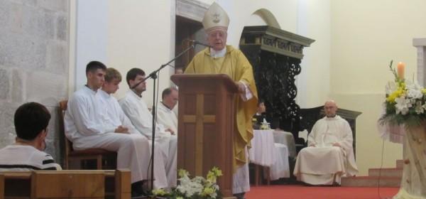 Biskup Bogović predvodio svečano misno slavlje na blagdan Gospe Karmelske - Ribarske u Senju