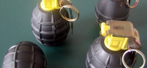 U Baškim Oštarijama pronađeno pet ručnih bombi