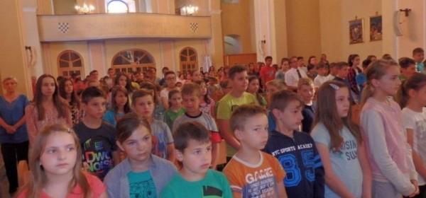 Zahvalno bogoslužje djece Osnovne škole u Otočcu