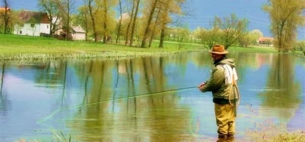 Gacka spremna za ribiće