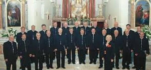 """Muški pjevački zbor """"Sv. Mihovil"""" iz Šibenika u Senju"""