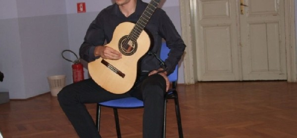 Samostalni koncert mladog gitarista Ivana Šimatovića
