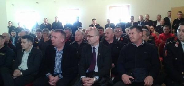 Župan Kolić dodjelio zahvalnice sudionicima akcije spašavanja ljudi i imovine u županjskoj Posavini