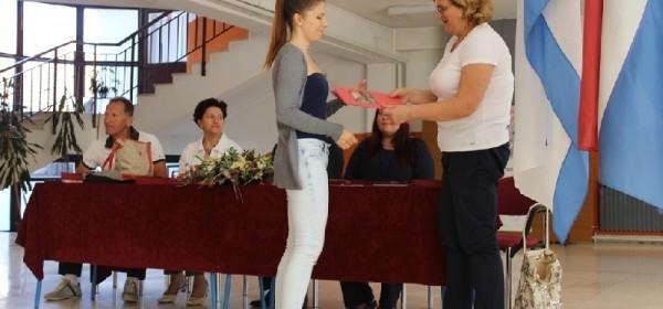 Maturantima strukovnih programa uručene završne svjedodžbe
