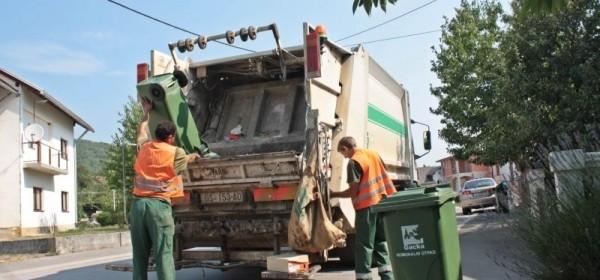 """Po """"pasjim vrućinama"""" svaki dan zbrinu 15 tona smeća"""