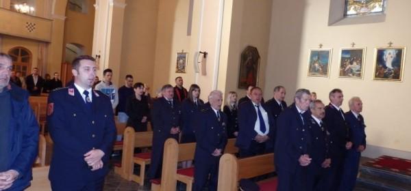 Otočki vatrogasci slavili svetu Misu u župnoj crkvi