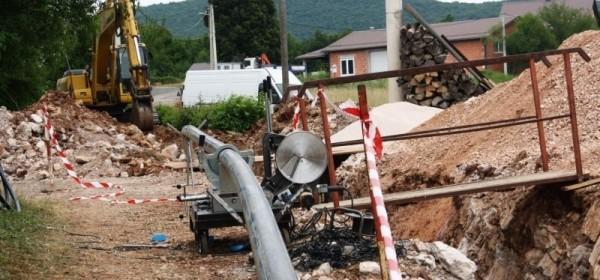 Izmjena vodovodnih cijevi u Poljicima