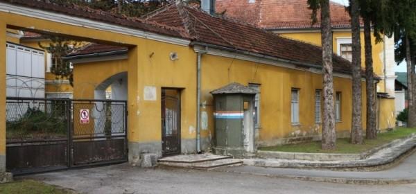 Traži se rješenje za vojarnu Ban Jelačić u Otočcu