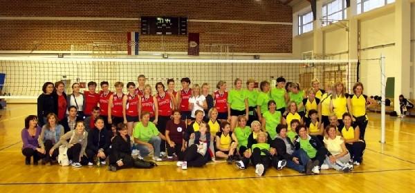10.sportsko-rekreacijski susret žena u Otočcu