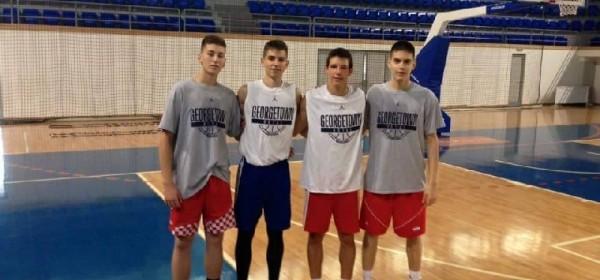 Otočanin Luka Jelinić igrač Cibone u košarkaškom kampu u Crnoj Gori