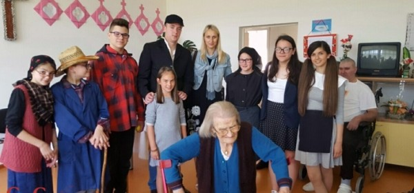 Mali čakavčići razveselili bakice i djedice