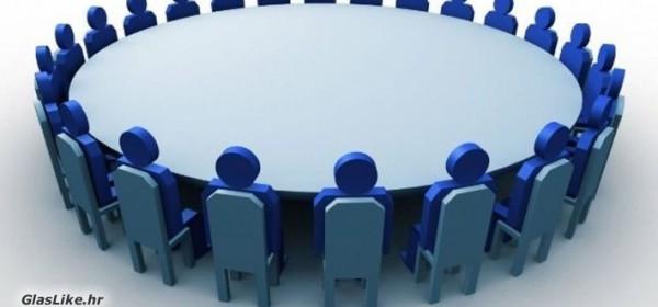 U Gospiću održan okrugli stol o ljudskim potencijalima