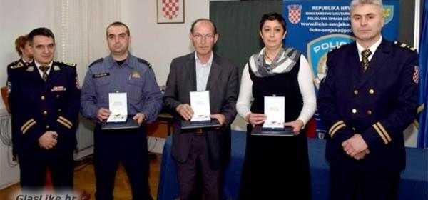 Priznanja djelatnicima policije