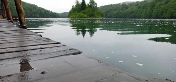 Buce na noge i u obilazak jezera