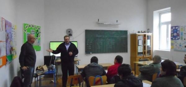 Izobrazba za poljoprivrednike o sigurnom rukovanju pesticidima u Brinju