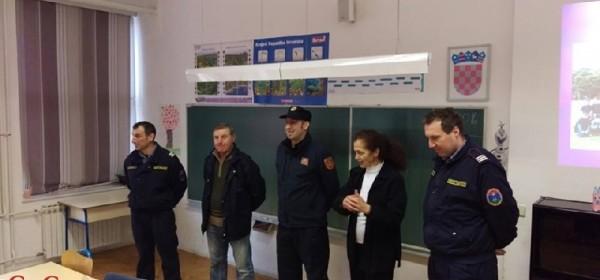 Vatrogasna mladež - edukativna radionica u Brinju