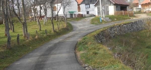 Novi kilometri asfalta u općini Brinje