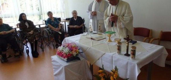 Sveta misa u Domu za starije i nemoćne u Otočcu