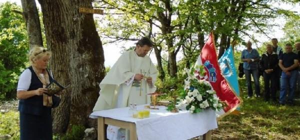 Tijelovo proslavljeno svetom misom kod crkve Sv.Duha u Letincu