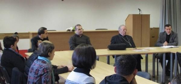 Biskup Bogović s vjeroučiteljima na Plitvicama