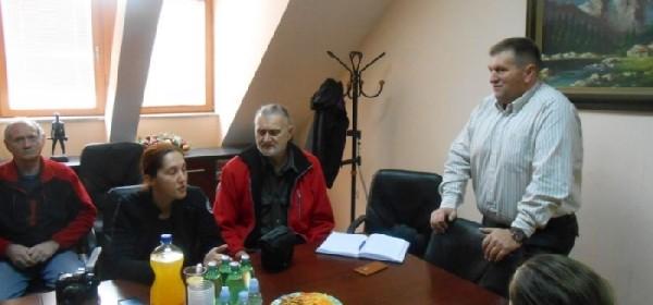 Međunarodni tim speleologa u posjeti Općini Brinje