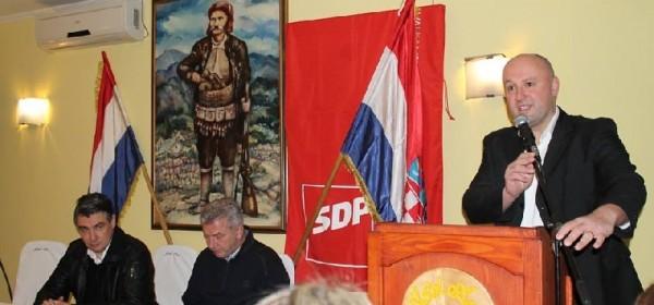 Zoran Milanović jučer posjetio Otočac i Gospić