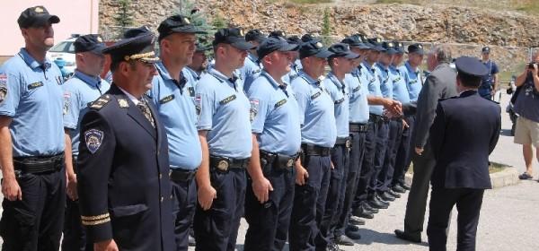 Sigurnije kroz turističku sezonu sa privremenom postajom prometne policije u Perušiću