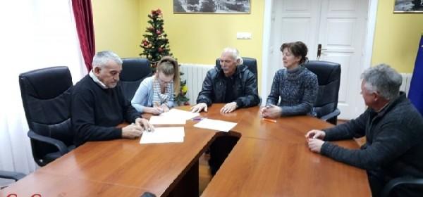 Potpisan ugovor o stipendiranju sa sportašicom Mateom Dujmović