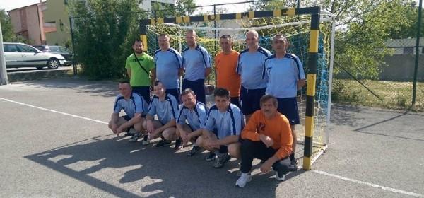 Veterani/bivši igrači RK Gospić uveličali memorijalni turnir u Selcu i osvojili 2.mjesto