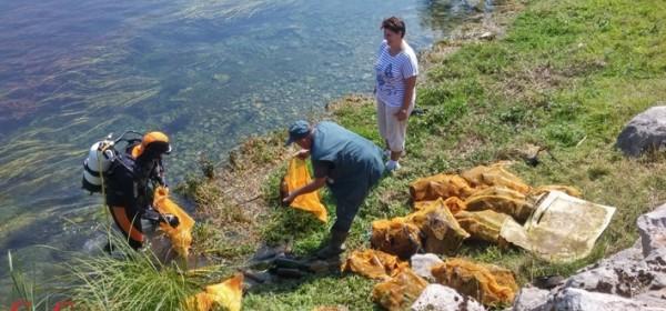 Čišćenje Gacke oko njenih mostova