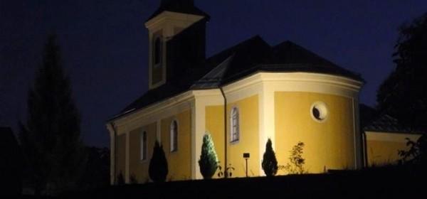 Rasvijetljena i švička crkva