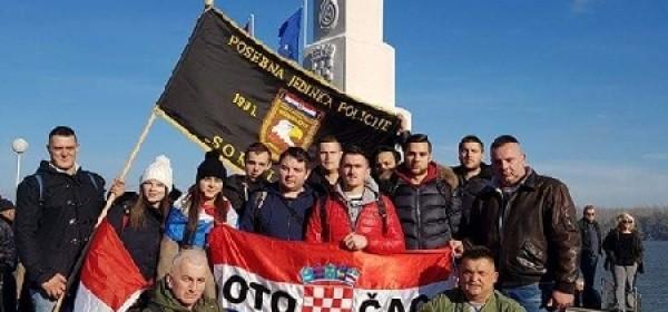 Gačani stigli u Vukovar, već su u koloni sjećanja