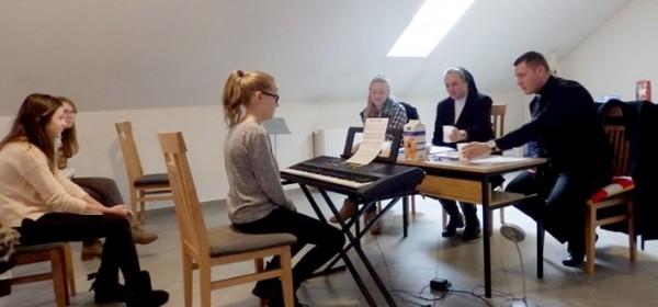 Počela Glazbena škola za crkvene orguljaše i pjevače