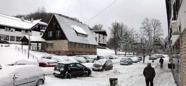 Na Plitvičkim jezerima snijega tek za zimski ugođaj